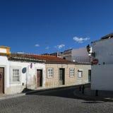Η αρχιτεκτονική, faro, Πορτογαλία, Λευκοί Οίκοι, μπλε ουρανός, ξεχειμωνιάζει στοκ εικόνες με δικαίωμα ελεύθερης χρήσης