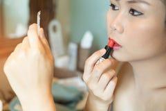 Η ασιατική όμορφη γυναίκα με αποτελεί στοκ φωτογραφίες με δικαίωμα ελεύθερης χρήσης