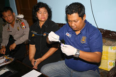 Η αστυνομία πήρε ένα δείγμα αίματος Στοκ Εικόνα