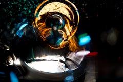Η αφηρημένη καμμένος κίνηση κύκλων υψηλής ανάλυσης θόλωσε το υπόβαθρο σκοτεινό ζωηρό σε κόκκινο, πράσινος, κίτρινος, μπλε Στοκ Φωτογραφία
