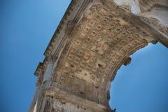 Η αψίδα του Titus Arco Di Tito στο ρωμαϊκό φόρουμ στη Ρώμη Στοκ Φωτογραφία
