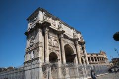Η αψίδα του Constantine και κοντά σε το το Colisseum στη Ρώμη Ιταλία Στοκ φωτογραφία με δικαίωμα ελεύθερης χρήσης
