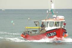 η βάρκα έρχεται Στοκ εικόνες με δικαίωμα ελεύθερης χρήσης