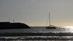 Η βάρκα εισάγεται στο λιμένα φιλμ μικρού μήκους