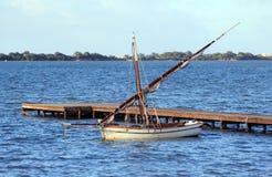 η βάρκα το πανί Στοκ Φωτογραφία