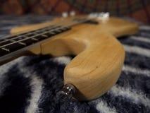 Η βαθιά κιθάρα, ηλεκτρικός guiar, ηλεκτρική το όργανο Στοκ φωτογραφίες με δικαίωμα ελεύθερης χρήσης