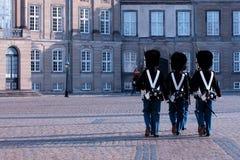 Η βασιλική φρουρά πορεία της Κοπεγχάγης, Δανία Στοκ Εικόνες