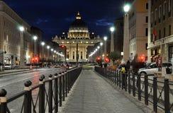 Η βασιλική SAN Pietro σε Βατικανό τη νύχτα Στοκ εικόνα με δικαίωμα ελεύθερης χρήσης