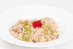 Η βελόνα udon με το χαβιάρι και τις γαρίδες Στοκ Φωτογραφίες