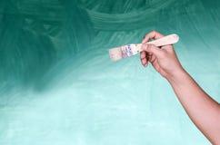 Η βούρτσα χρωμάτων υπό εξέταση στοκ φωτογραφία με δικαίωμα ελεύθερης χρήσης