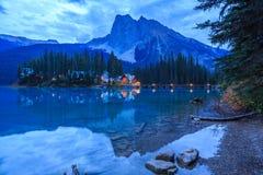 η βρετανική σμαραγδένια λίμνη του Καναδά Κολούμπια εντόπισε το εθνικό yoho πάρκων Στοκ Εικόνα