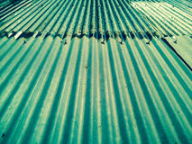 Η βροχή στη στέγη κασσίτερου Στοκ φωτογραφία με δικαίωμα ελεύθερης χρήσης