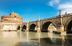 Η γέφυρα και το Castle Sant ` Angelo στη Ρώμη, Ιταλία Στοκ φωτογραφία με δικαίωμα ελεύθερης χρήσης