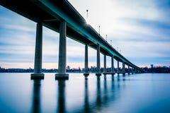 Η γέφυρα Ναυτικής Ακαδημίας, πέρα από τον ποταμό Severn σε Annapolis, μΑ Στοκ Φωτογραφίες
