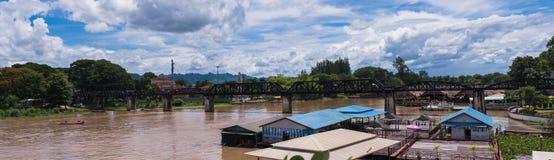 Η γέφυρα πέρα από τον ποταμό Kwai σε Kanchanaburi, Ταϊλάνδη Στοκ Φωτογραφίες