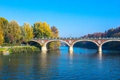 Η γέφυρα πέρα από το Po ποταμό στο Τορίνο, Ιταλία Στοκ φωτογραφία με δικαίωμα ελεύθερης χρήσης