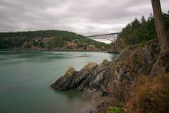 Η γέφυρα περασμάτων εξαπάτησης είναι μια όμορφη περιοχή ακόμη και μια θλιβερή ημέρα στοκ εικόνες