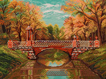 Η γέφυρα ποδιών μέσω του καναλιού στοκ εικόνα