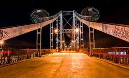 Η γέφυρα στα φω'τα Στοκ φωτογραφία με δικαίωμα ελεύθερης χρήσης
