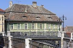 Η γέφυρα των ψεμάτων από την παλαιά πόλη Sibiu Ρουμανία στοκ φωτογραφία με δικαίωμα ελεύθερης χρήσης