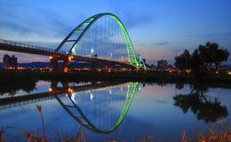 Η γέφυρα φεγγαριών το βράδυ Στοκ Φωτογραφία