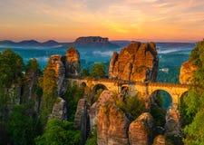 Η γέφυρα Bastei, σαξονικό εθνικό πάρκο της Ελβετίας, Γερμανία στοκ εικόνες