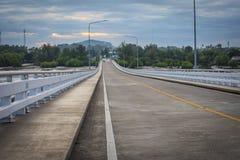 Η γέφυρα Taksin βασιλιάδων σε Leam τραγουδά τον κόλπο σε Chanthaburi ανατολικά Τ Στοκ Εικόνες