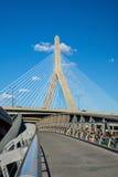 Η γέφυρα Zakim με τον ουρανό blus στη Βοστώνη Στοκ Φωτογραφίες
