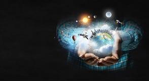 η γη δίνει τον πλανήτη μας Μικτά μέσα Μικτά μέσα Στοκ εικόνες με δικαίωμα ελεύθερης χρήσης