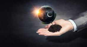 η γη δίνει τον πλανήτη μας Μικτά μέσα Στοκ φωτογραφίες με δικαίωμα ελεύθερης χρήσης