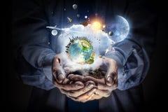 η γη δίνει τον πλανήτη μας Μικτά μέσα Στοκ εικόνες με δικαίωμα ελεύθερης χρήσης