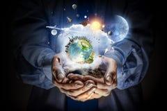 η γη δίνει τον πλανήτη μας Μικτά μέσα Στοκ Φωτογραφία