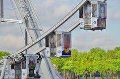 Η γιγαντιαία ρόδα Ferris (Grande Roue) στο Παρίσι στοκ φωτογραφία