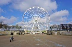 Η γιγαντιαία ρόδα Ferris (Grande Roue) στο Παρίσι στοκ φωτογραφίες
