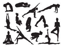 Η γιόγκα θέτει τις σκιαγραφίες γυναικών ελεύθερη απεικόνιση δικαιώματος