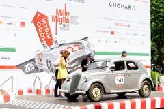 Η γκρίζα Lancia Ardea φθάνει στην κλασική φυλή αυτοκινήτων 1000 Miglia Στοκ εικόνα με δικαίωμα ελεύθερης χρήσης