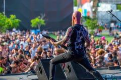 Η γοητεία η ζώνη μουσικής μανίας αποδίδει στη συναυλία Download στο φεστιβάλ μουσικής βαρύ μετάλλου στοκ φωτογραφία