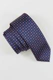 Η γραβάτα στο άσπρο υπόβαθρο Στοκ φωτογραφία με δικαίωμα ελεύθερης χρήσης