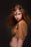 Η γυναίκα έντυσε ως Αμαζώνες Στοκ φωτογραφία με δικαίωμα ελεύθερης χρήσης