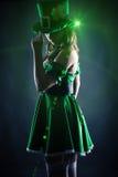 Η γυναίκα έντυσε ως leprechaun Στοκ Εικόνες