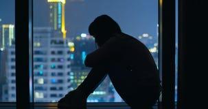 Η γυναίκα αισθάνεται την κατάθλιψη στοκ φωτογραφία