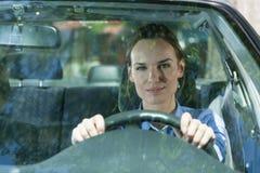 Η γυναίκα πηγαίνει να εργαστεί Στοκ Φωτογραφία