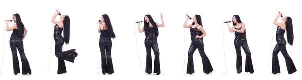 Η γυναίκα που τραγουδά στη λέσχη καραόκε σε διάφορο θέτει στο λευκό Στοκ φωτογραφίες με δικαίωμα ελεύθερης χρήσης