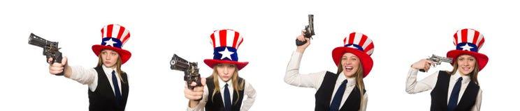Η γυναίκα που φορά το καπέλο με τα αμερικανικά σύμβολα στοκ εικόνα με δικαίωμα ελεύθερης χρήσης
