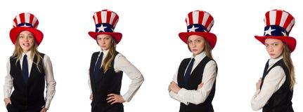 Η γυναίκα που φορά το καπέλο με τα αμερικανικά σύμβολα στοκ φωτογραφίες με δικαίωμα ελεύθερης χρήσης