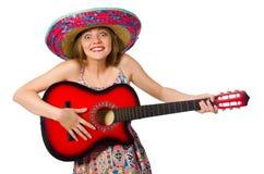 Η γυναίκα στη μουσική έννοια με την κιθάρα στο λευκό Στοκ Φωτογραφίες