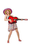 Η γυναίκα στη μουσική έννοια με την κιθάρα στο λευκό Στοκ Φωτογραφία
