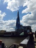 η γωνία 306m είναι κτηρίου οικοδόμησης της ΕΕ hdr ορόσημων καλυμμένος ουρανός scrapper του Λονδίνου νέος shard που λεπτός πιό ψηλ στοκ φωτογραφία