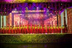 Η γλυπτική και το κορίτσι--Ιστορικός μαγικός ο μαγικός δράματος τραγουδιού και χορού ύφους - Gan Po Στοκ Εικόνα
