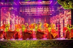 Η γλυπτική και το κορίτσι--Ιστορικός μαγικός ο μαγικός δράματος τραγουδιού και χορού ύφους - Gan Po Στοκ Εικόνες